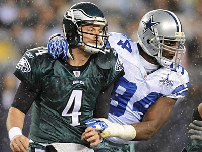 Cowboys linebacker DeMarcus Ware sacked Eagles quarterback Kevin Kolb three times. (Clem Murray/Staff Photographer)