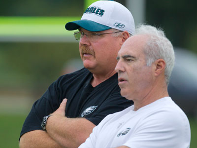 Now that he has Jeffrey Lurie´s vote of confidence, Andy Reid has some difficult personnel decisions to make. (Ed Hille / Staff Photographer)