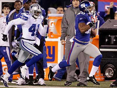 Victor Cruz (80) had six catches for 178 yards yesterday against the Cowboys. (AP Photo / Julio Cortez)