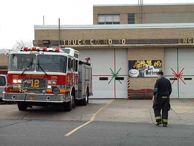 Engine 39 on Ridge Avenue was one of five firehouses and two ladder companies around Philadelphia closed today. (Sharon Gekoski-Kimmel / Staff Photographer)