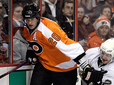 Chris Pronger has not played since breaking his foot on Dec. 15. (Yong Kim/Staff Photographer)