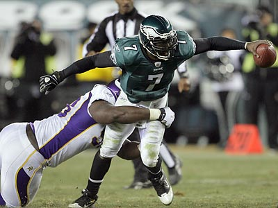 Michael Vick expects to see a repeat of the Vikings´ heavy blitz in Sunday´s playoff game against Green Bay. (Yong Kim/Staff Photographer)