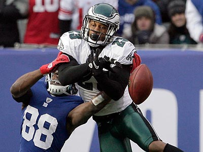 Eagles cornerback Dimitri Patterson was beat for five touchdowns in 2010. (Yong Kim/Staff Photographer)