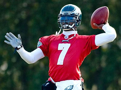Michael Vick said he will be fully healthy by Sunday´s game against Green Bay. (Clem Murray/Staff Photographer)