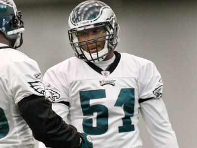 """Jamar Chaney is """"proposing"""" a Super Bowl run for the Eagles. (Elizabeth Robertson / Staff file photo)"""