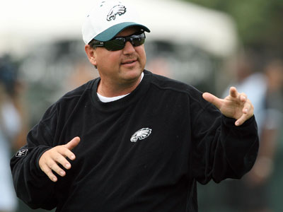 Marty Mornihinweg uses the ´Yards Per Attempt´ stat to measure his quarterback´s play. (Yong Kim/Staff Photographer)