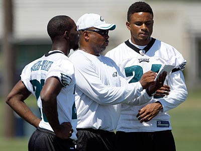 "The Eagles announced Saturday that they ""released"" cornerbacks coach Johnnie Lynn. (Yong Kim/Staff file photo)"
