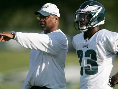 The Eagles have fired cornerbacks coach Johnnie Lynn. (Rich Schultz/AP)