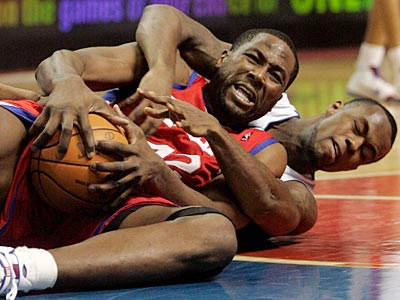 Elton Brand scored 17 points and grabbed 14 rebounds in the loss to the Pistons. (AP Photo/Duane Burleson)