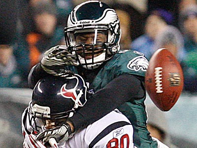 Quintin Mikell is one of six Eagles who are scheduled to be unrestricted free agents this offseason. (Ron Cortes/Staff File Photo)