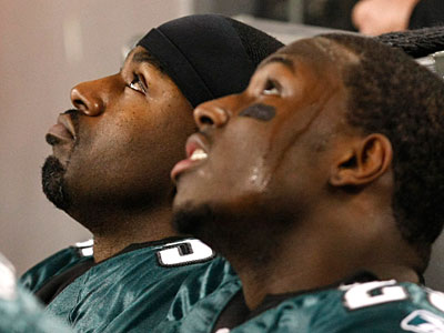 Brian Westbrook (left) was on the field for half as many snaps as LeSean McCoy in the Eagles´ loss to the Cowboys. (Ron Cortes/Staff Photographer)