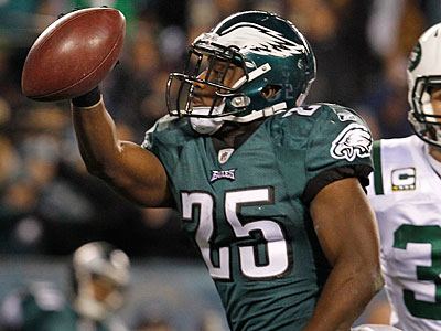 Eagles RB LeSean McCoy is signed through the 2012 season. (Ron Cortes/Staff Photographer)