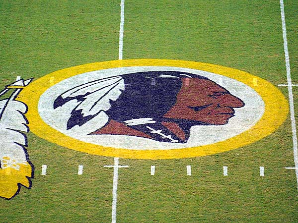 The Redskins´ midfield logo. (Nick Wass/AP file)