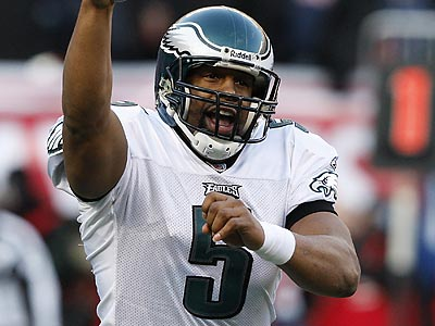 Donovan McNabb completed 22 of 40 passes for 217 yards and a touchdown against the Giants. He also ran for a score himself. (David Maialetti/Staff Photographer)