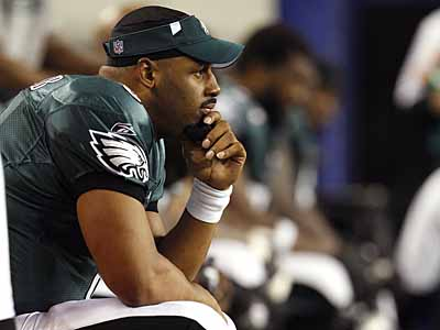 Donovan McNabb is nearing the end of his contract with the Eagles. (David Maialetti/Staff Photographer)