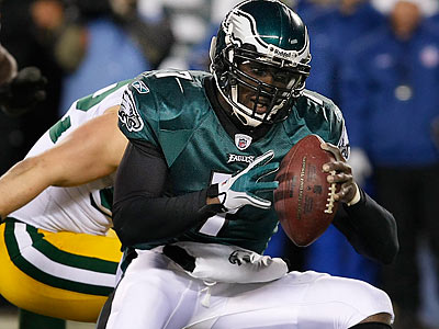 Michael Vick said he has no problem with the Eagles giving him the franchise tag. (Ron Cortes/Staff Photographer)
