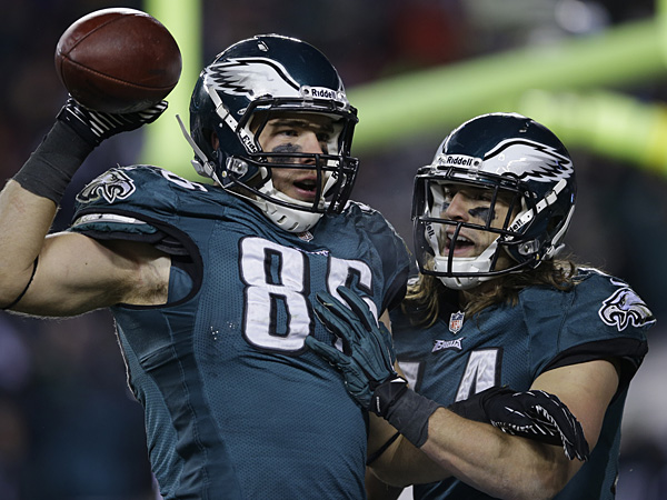 Eagles tight end Zach Ertz, left, and wide receiver Riley Cooper. (Michael Perez/AP)