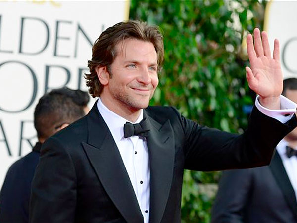 Actor Bradley Cooper arrives at the 70th Annual Golden Globe Awards at the Beverly Hilton Hotel on Sunday Jan. 13, 2013, in Beverly Hills, Calif. (Photo by Jordan Strauss/Invision/AP)<br />