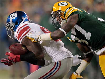 Giants wide receiver Hakeem Nicks had seven catches for 165 yards and two touchdowns Sunday against the Packers. (Mike Roemer/AP)
