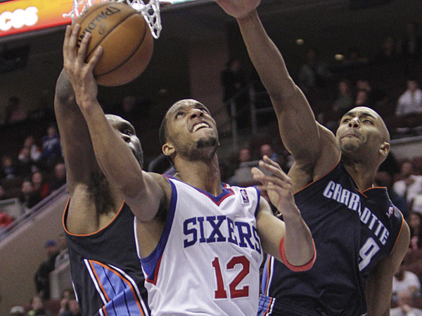 76ers swingman Evan Turner goes up for a layup against the Bobcats. (Steven M. Falk/Staff Photographer)