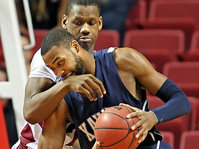 Lavoy Allen helped Temple to a 77-72 win over Xavier at the Liacouras Center. (Steven M. Falk/Staff Photographer)