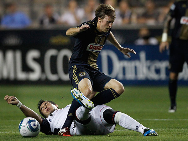 Veteran midfielder Brian Carroll will be the Union´s captain for the 2013 season. (Michael S. Wirtz/Staff file photo)