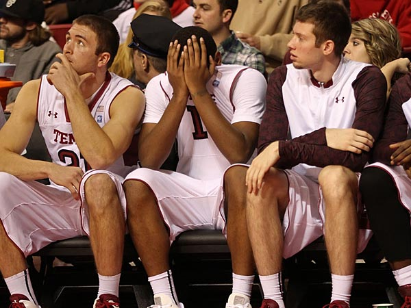 Temple´s Khaliff Wyatt,  center, on the bench after fouling out with two minutes left against St. Bonaventure. (Michael Bryant/Staff Photographer)