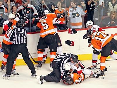 Flyers Manhandle Senators, 6-2