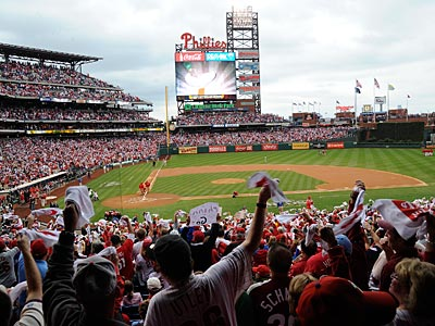 Phillies fans make noise at Citizens Bank Park. (Clem Murray/Staff file photo)