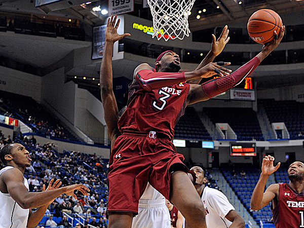 Temple´s Anthony Lee drives to the basket during the first half. (Fred Beckham/AP)