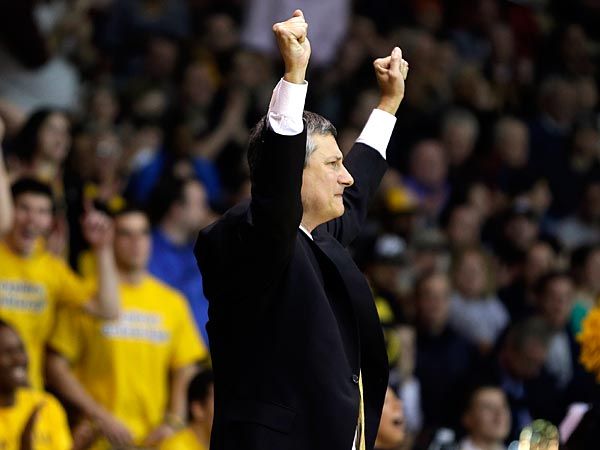 La Salle head coach John Giannini reacts after a basket during the<br />second half of an NCAA college basketball game against Butler,<br />Wednesday, Jan. 23, 2013, in Philadelphia. La Salle won 54-53. (AP<br />Photo/Matt Slocum)