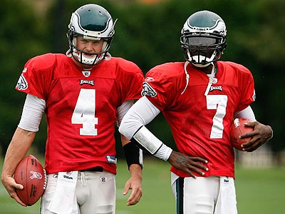 According to a report, the Eagles will place their franchise tag on Michael Vick. (David Maialetti/Staff File Photo)