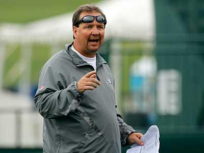 Marty Mornhinweg is no longer a candidate for the Raiders´ head coaching job, according to a report. (AP Photo / Alex Brandon)