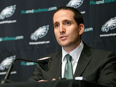 Will Eagles GM Howie Roseman make a move for a better first-round pick? (Mark Stehle/AP)
