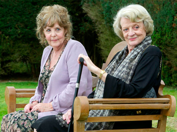 "Pauline Collins (left), Maggie Smith in ""Quartet,"" which is Dustin Hoffman´s directing debut, smart and accomplished."
