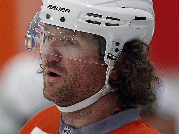Flyers winger Scott Hartnell. (David Maialetti/Staff Photographer)