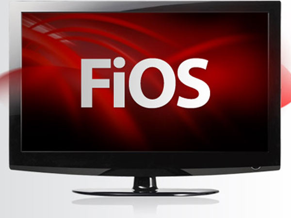 Verizon Communication Inc.´s FiOS TV service will surcharge millions of customers $2.42 a month for regional sports networks.