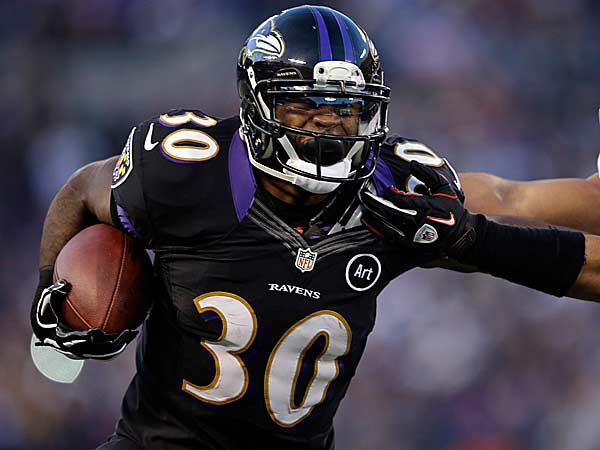 Temple will honor Baltimore Ravens reserve tailback Bernard Pierce on Saturday for winning the Super Bowl. (Evan Vucci/AP)