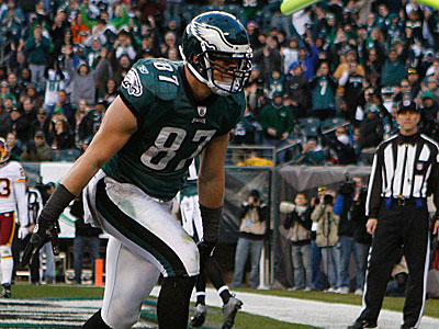 Brent Celek has quietly become a veteran leader on the team. (Ron Cortes/Staff Photographer)