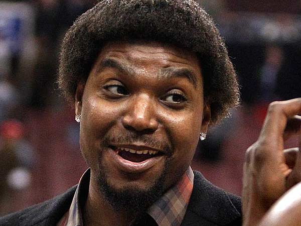Andrew Bynum is reportedly making progress and it could return very soon. (Ron Cortes/Staff Photographer)