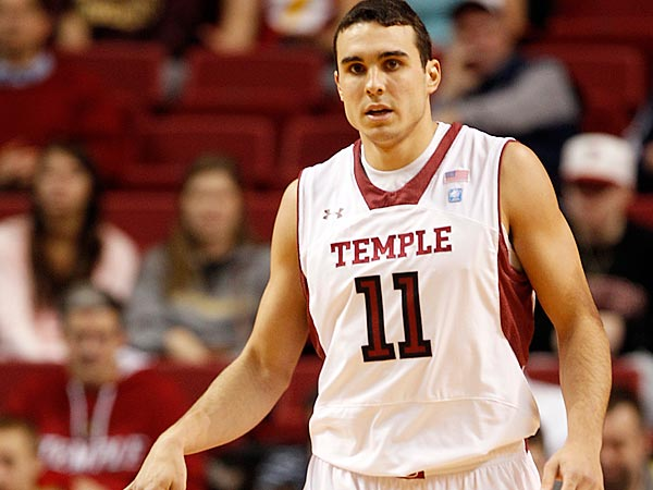 Temple&acute;s T.J. DiLeo dribble the basketball against Canisius on<br />Wednesday, December 19, 2012.  (Yong Kim/Staff Photographer )<br />