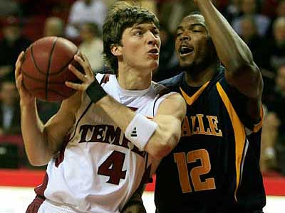 Juan Fernandez and Temple are up to No. 17 in the AP poll. (Akira Suwa/Staff Photographer)
