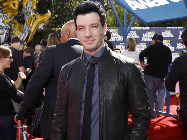J.C. Chasez arrives at the MTV Movie Awards on Sunday, June 5, 2011, in Los Angeles. (AP Photo/Matt Sayles)