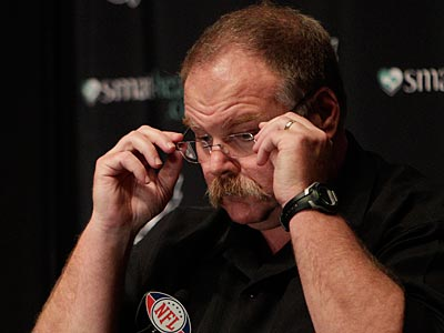 Andy Reid and the Eagles will have the 15th overall pick in the NFL draft. (David Maialetti/Staff Photographer)