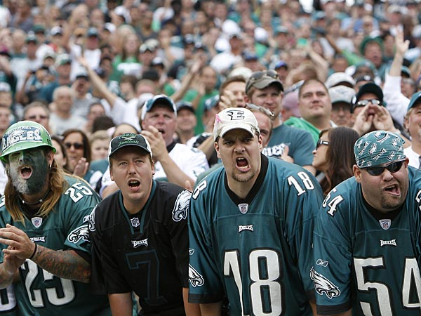 Eagles fans during a game at Lincoln Financial Field. (David Maialetti/Staff Photographer)