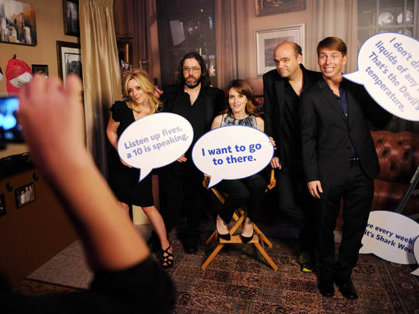 IMAGE DISTRIBUTED FOR NOKIA -- In this photo taken on Thursday, Dec. 20, 2012, the cast of 30 ROCK celebrates their last episode at the wrap party in New York. From left, Jane Krakowski, Judah Friedlander, Tina Fey, Scott Adsit, Jack McBrayer. (Photo by Scott Gries for Nokia/AP Images)