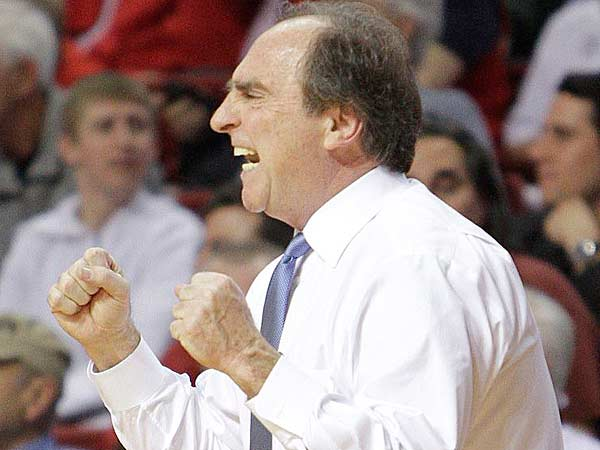 Temple´s head coach Fran Dunphy calls plays against Richmond during the second half at The Liacouras Center in Philadelphia,  Wednesday, January 30, 2013. Temple wins 71-64. (Steven M. Falk/Staff Photographer)