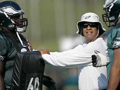 The Eagles have named offensive line coach Juan Castillo as the new defensive coordinator. (AP Photo)