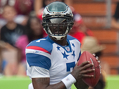 Eagles quarterback Michael Vick started in this year´s Pro Bowl for the NFC. (Eugene Tanner/AP Photo)