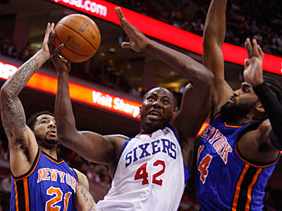 Elton Brand scored a season-high 33 points against the Knicks. (Ron Cortes / Staff Photographer)